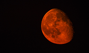 Why Does the Moon Turn Red? Grades: PreK-3